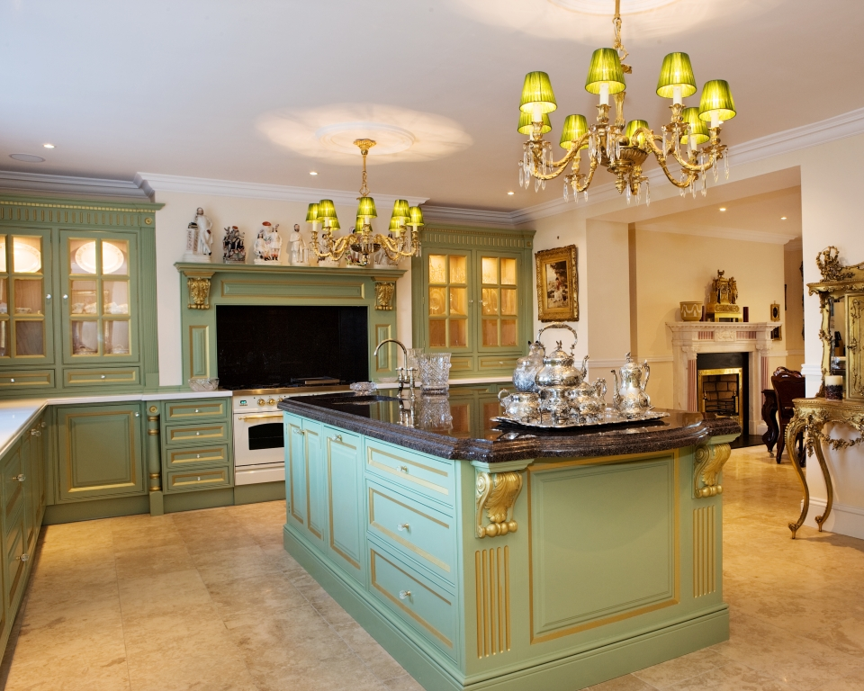 Traditional Kitchens | Royal Terrace, Dublin